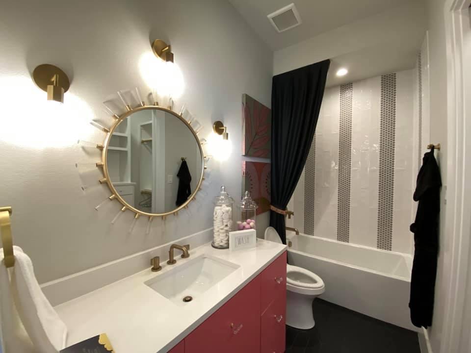 2020-10-25-black-and-white-bathroom-remodel