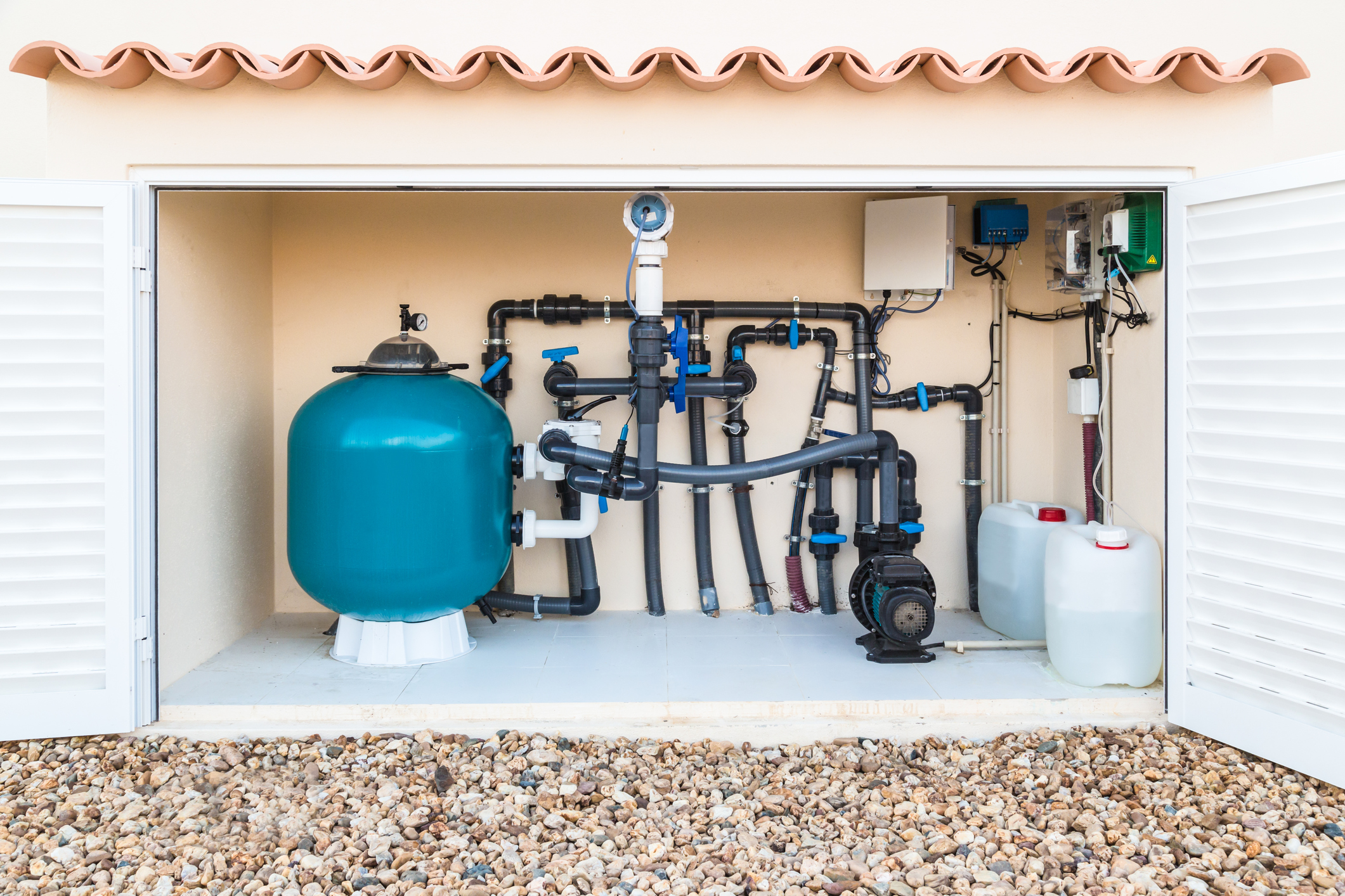 Brine, Salt water, swimming pool filter, valves and pumps in a purpose built hut